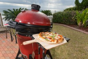 How to cook Pizza on a Kamado Grill